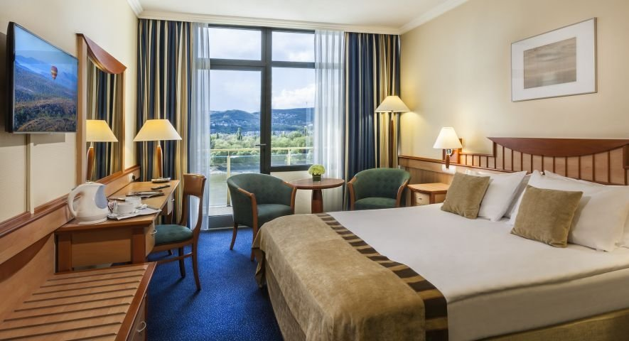 Superior Double Plus Room with balcony - Danubius Hotel Helia - hotel Budapest