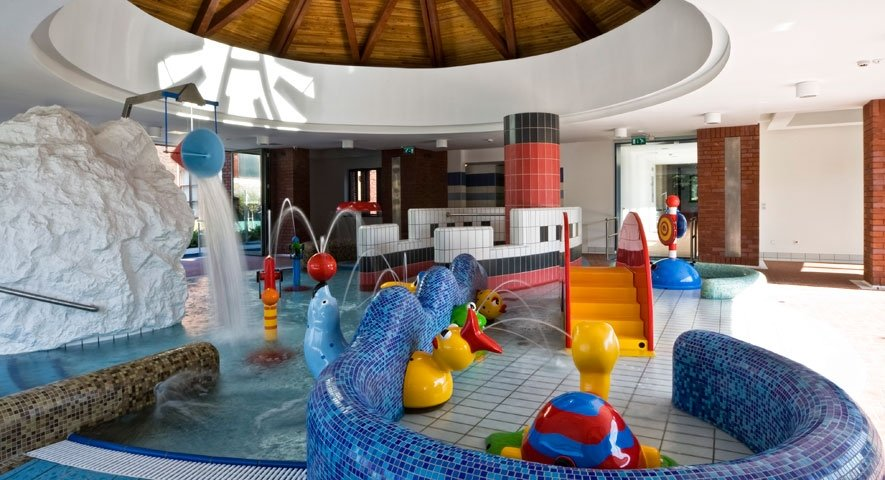 Kid%27s+pool - Danubius+Health+Spa+Resort+B%C3%BCk - hotel B%C3%BCk