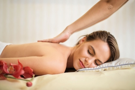 Revitalizing Aromatic Massage