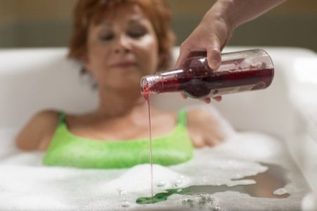 Red Wine Bath With Anti - Cellulite Effect