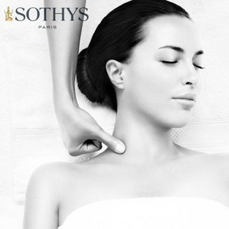 Smoothing facial, neck and neckline treatment