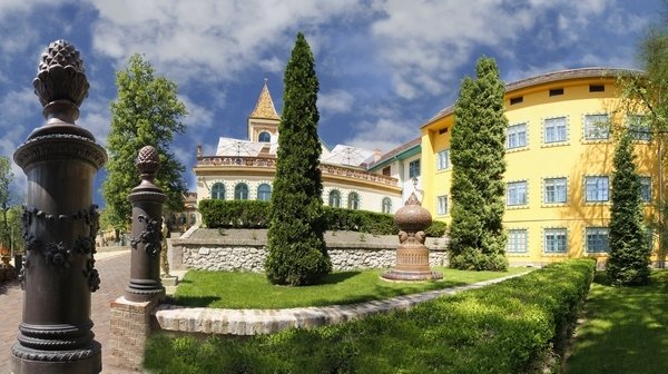 Zsolnay Magic and World Heritage in Pécs - Early bird discount